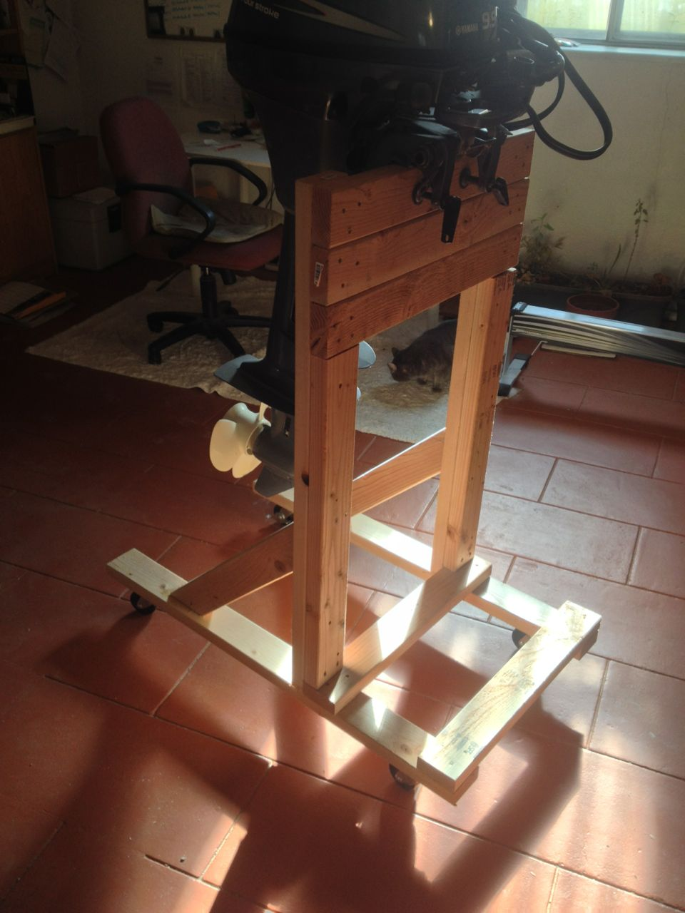 Outboard stand plan for use for Large outboard motor stand